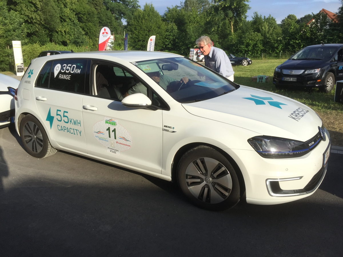 Volkswagen e-Golf with a 55,7 kWh Kreisel battery and 106 kW fast charging capability. Good for 435 km NEDC range