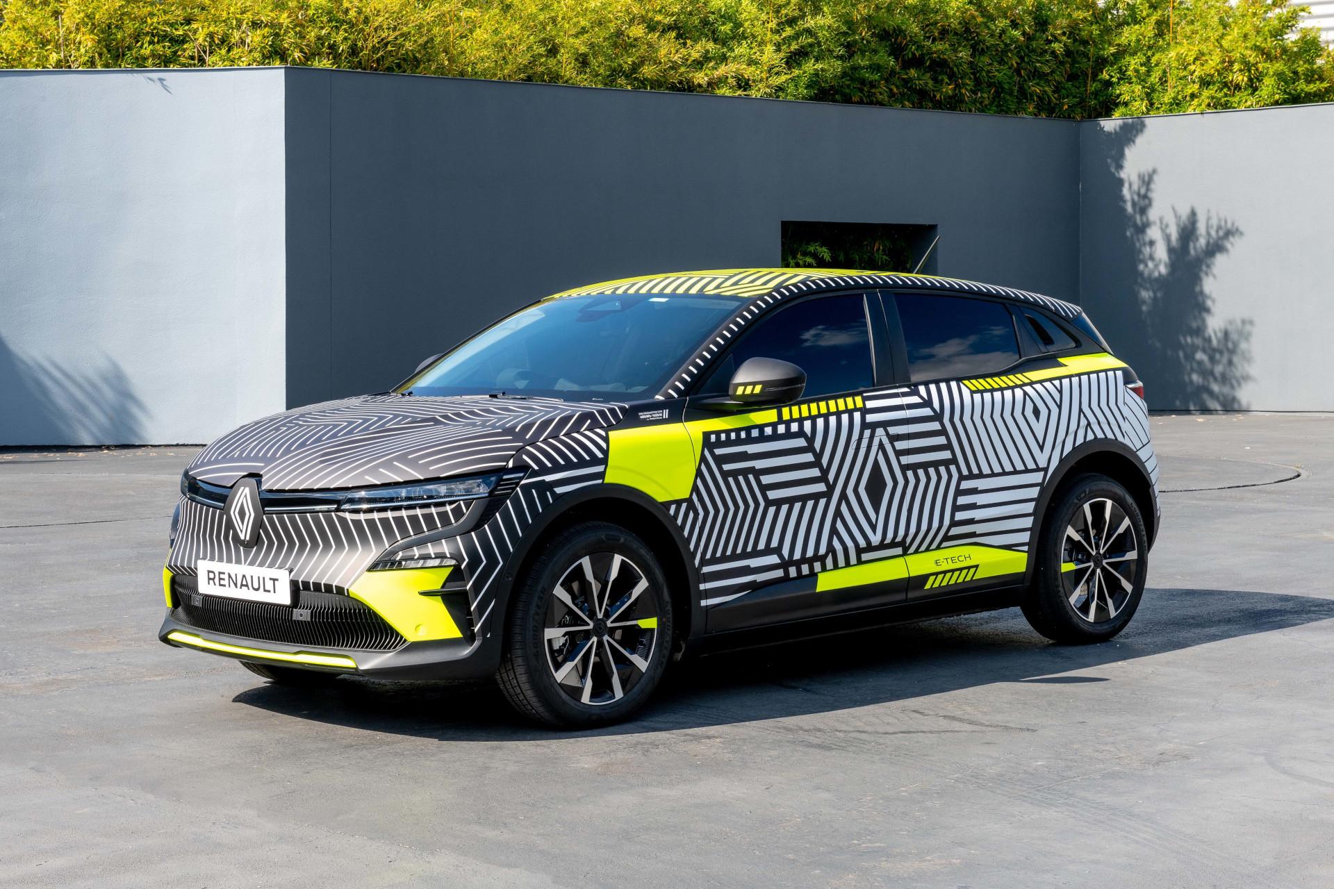 2021 - New Renault MEGANE E-TECH Electric pre-production